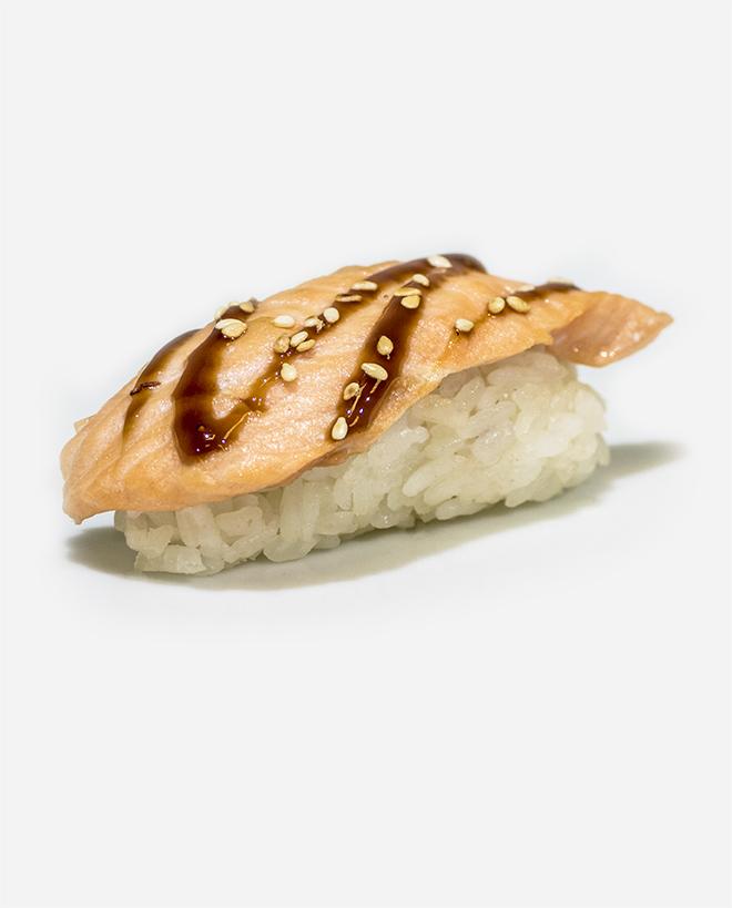 zapechonnie-sushi-losos